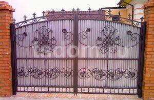 Кованные металлические ворота на заказ