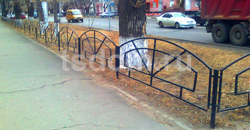 Установленные газонные ограждения от Техстройдом